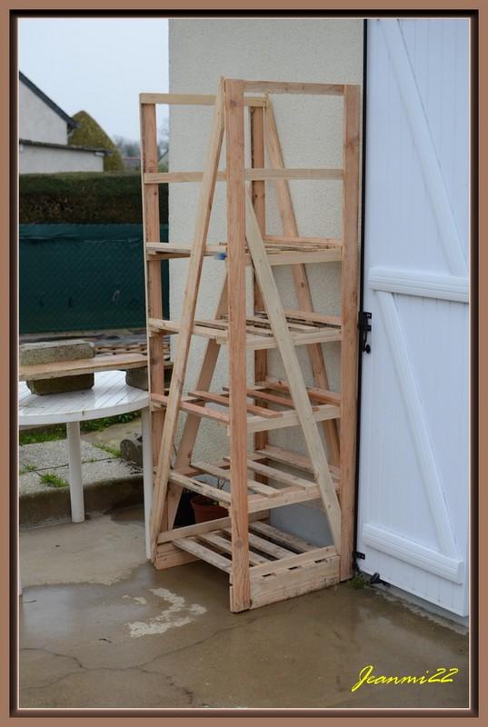 une mini serre avec palettes de r cup le coin de la r cup et des astuces au jardin tomodori. Black Bedroom Furniture Sets. Home Design Ideas