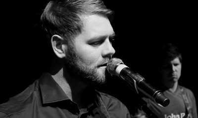 Brian McFadden reprend U2 avec All I Want Is You pour son nouvel album