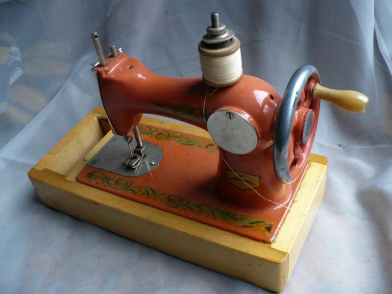 Machine coudre pour enfant fabriqu e par orsha factory for Machine a coudre 60