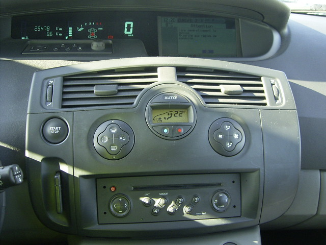 Carminat tomtom renault Scenic Sd card europe