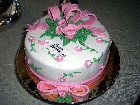 Buon compleanno violetta for Decorazioni torte per 60 anni di matrimonio