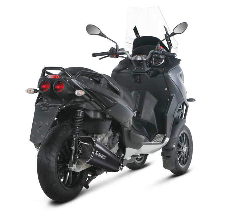 nouvel akrapovic pour nos scooters 3 roues. Black Bedroom Furniture Sets. Home Design Ideas